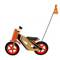 Drewniany rowerek biegowy z flagą