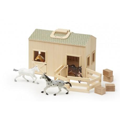 Drewniana stajnia z wybiegiem - stadnina 4 konie