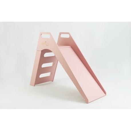 Drewniana zjeżdżalnia dla dziecka - różowa